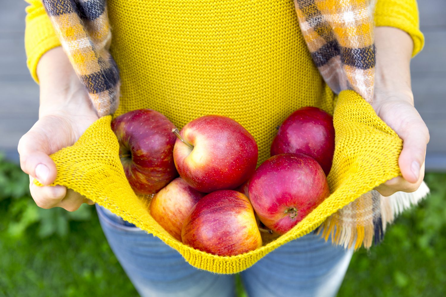 Apples can help treat vaginal dryness